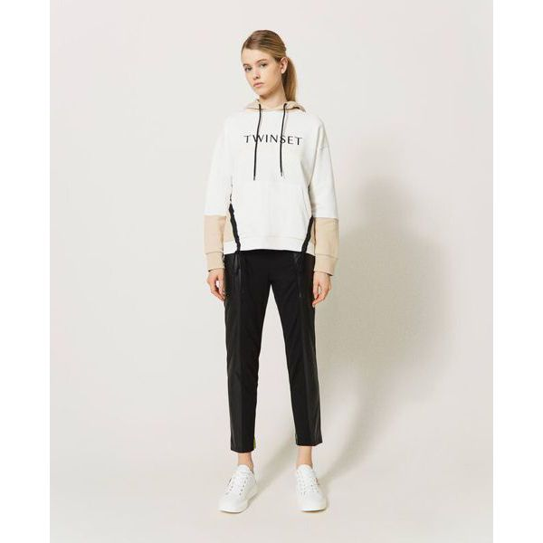 3. Two-tone sweatshirt Ivory-milkshake Twin Set