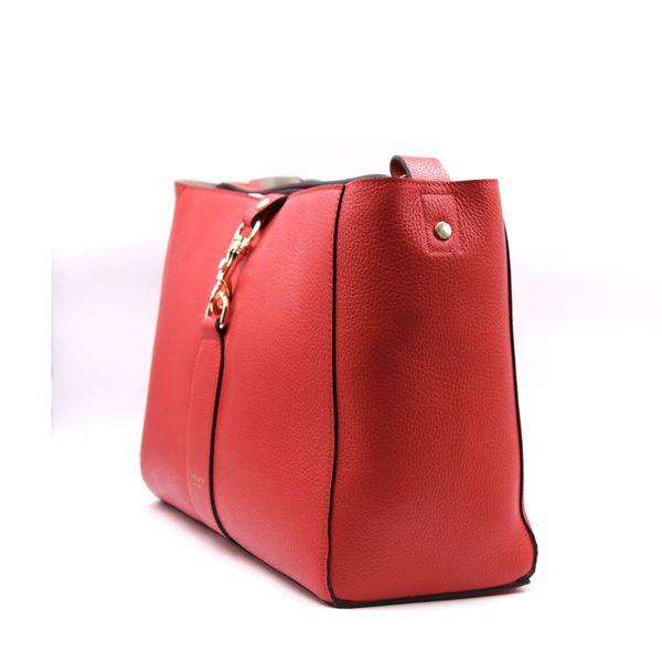 3. Annetta shopping Red Avenue 67