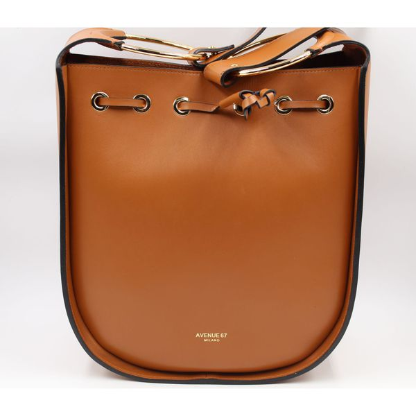 Francis bucket Leather Avenue 67